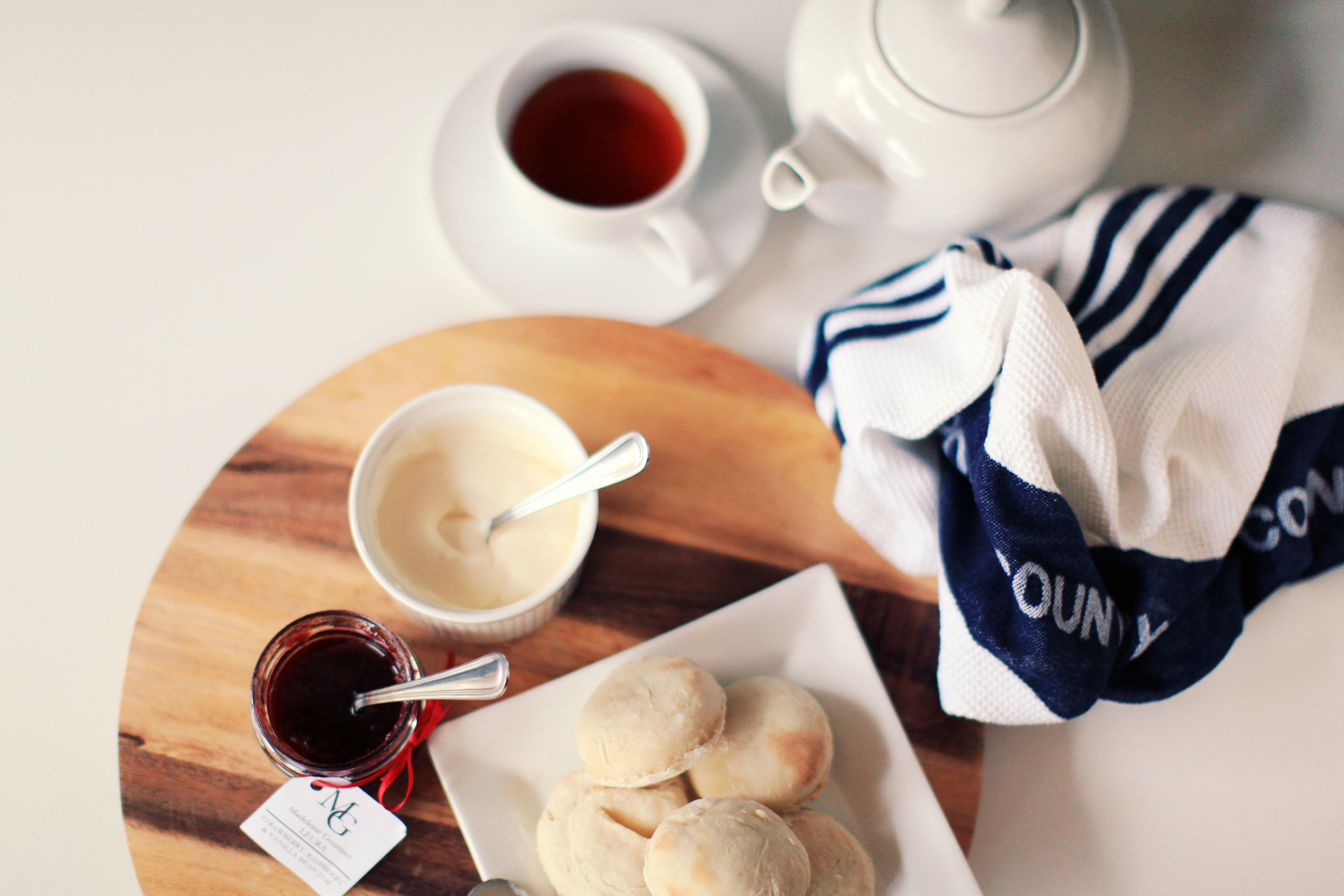 how to make simple scones with plain flour